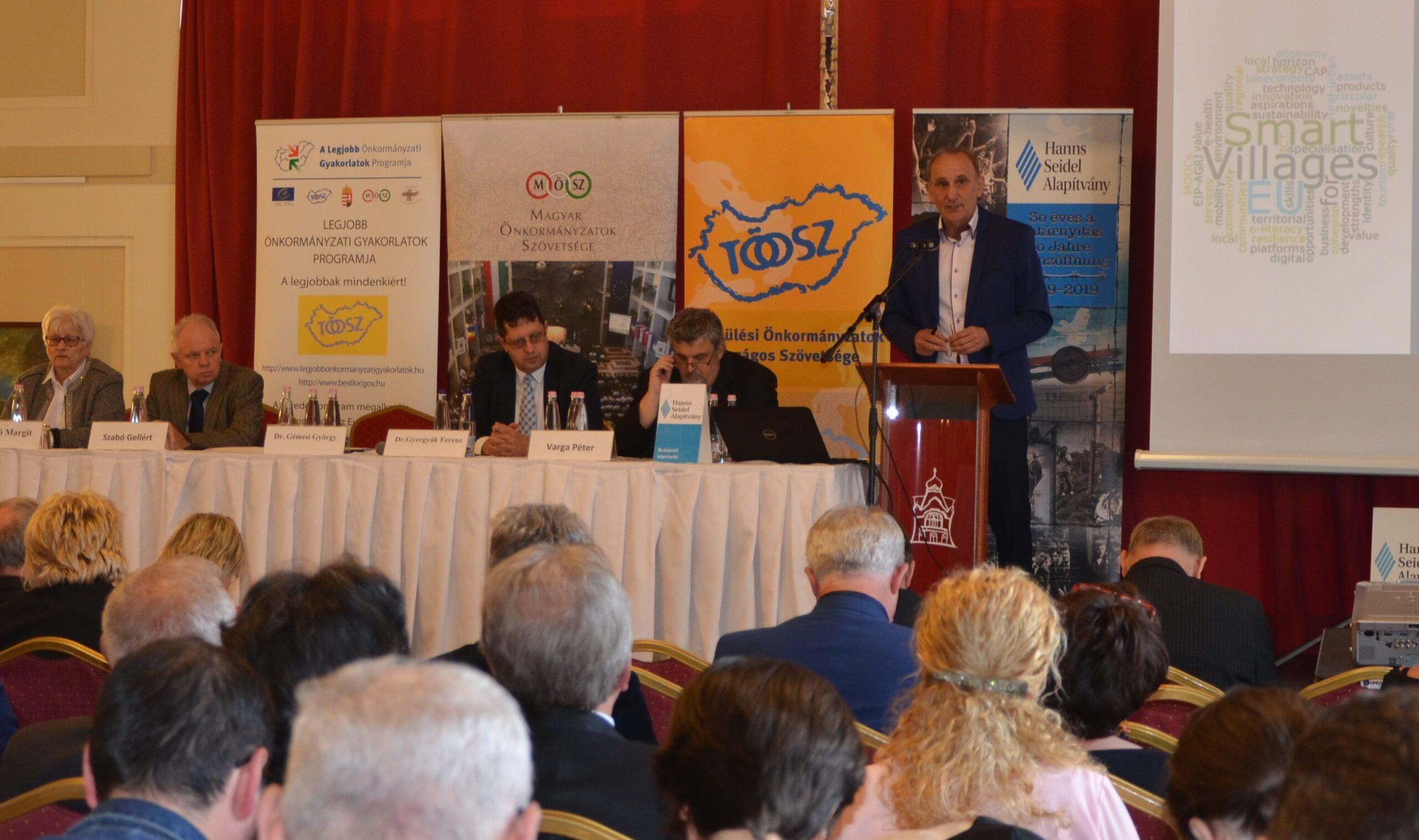 A Magyar Falu programmal ismerkedtek a polgármesterek