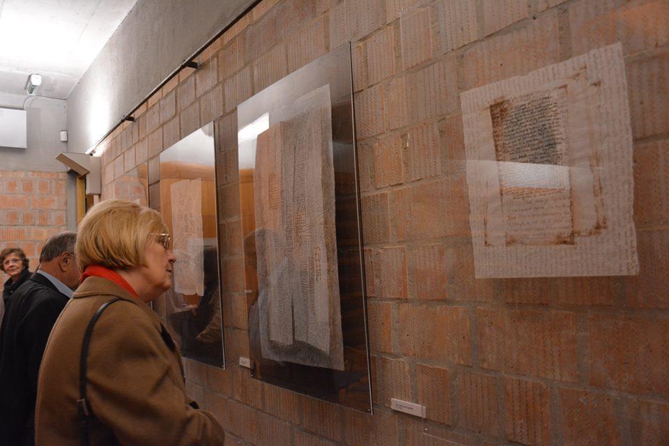 Katona-Szabó Erzsébet papírkollázs kiállítása