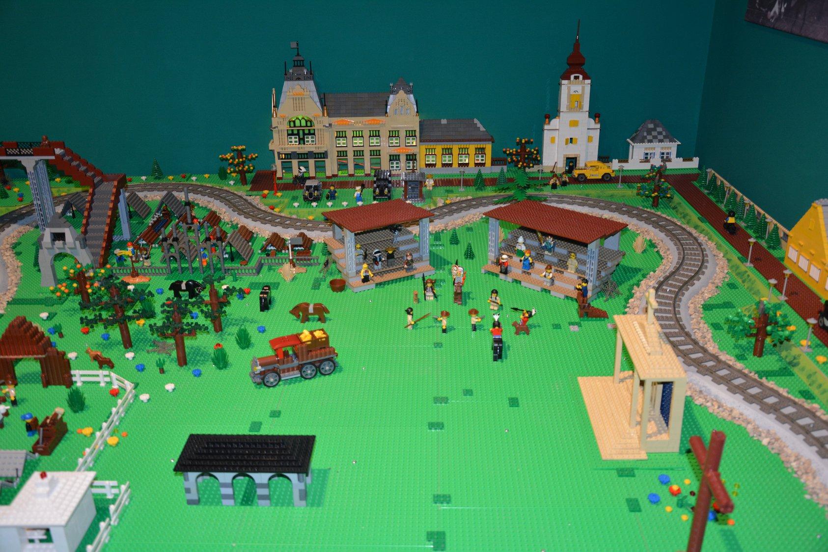 Megnyitották a Gödöllői Városi Múzeum megújított cserkész és vadászati kiállítását