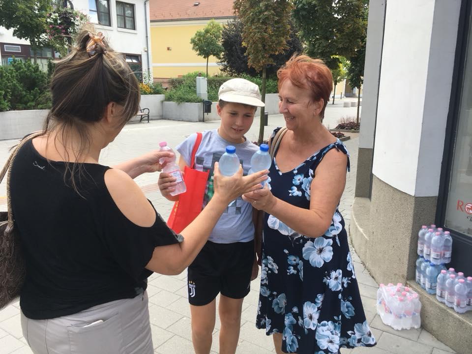 Hőségriasztás, Gödöllőn vízosztás
