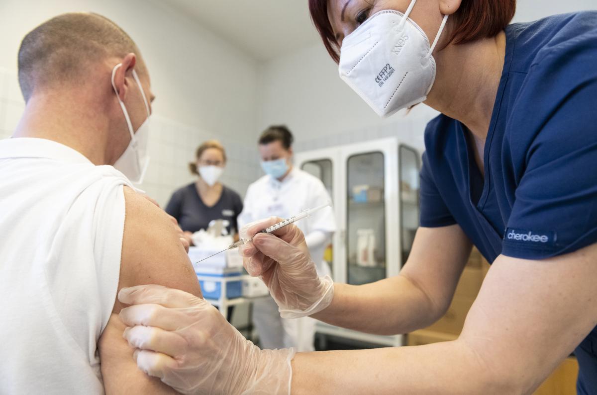 Oltási kisokos – COVID-19 elleni védőoltás