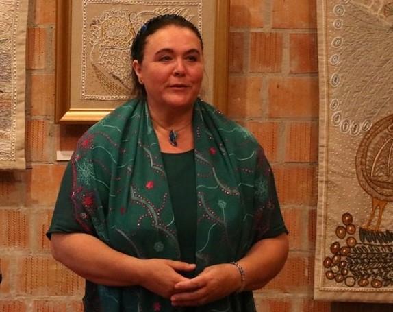 Elismerés Maczkó Mária népdalénekesnek