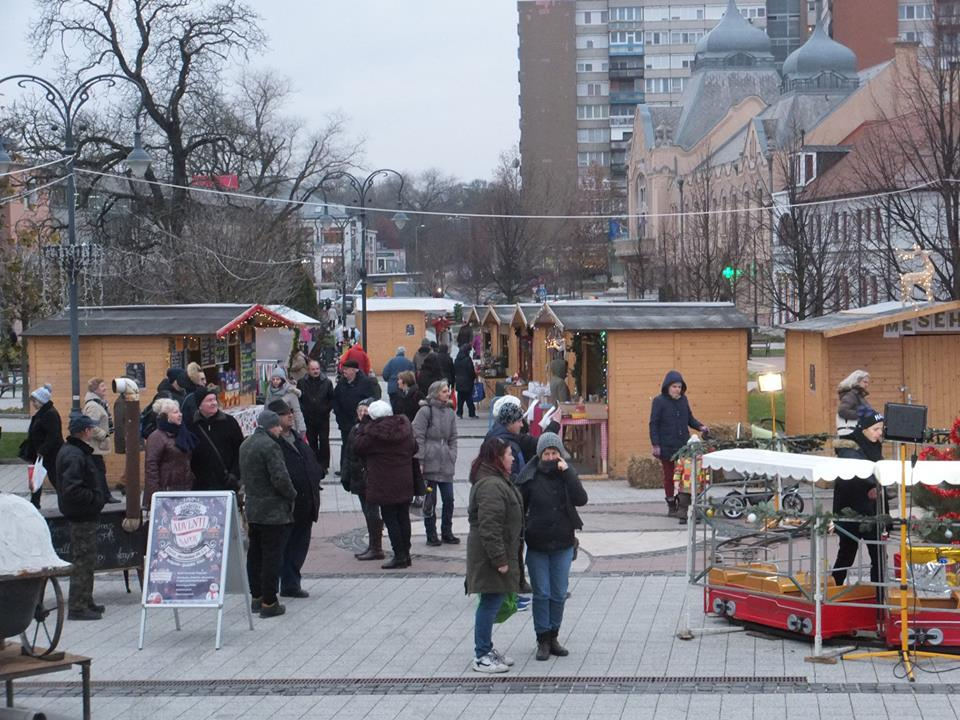 Civil Karácsony