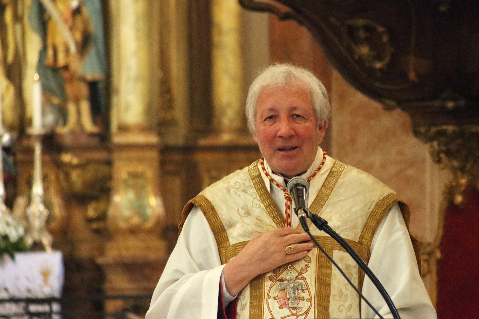 Elhunyt dr. Stella Leontin c. prépost, a Máriabesnyői Nagyboldogasszony Bazilika plébánosa.