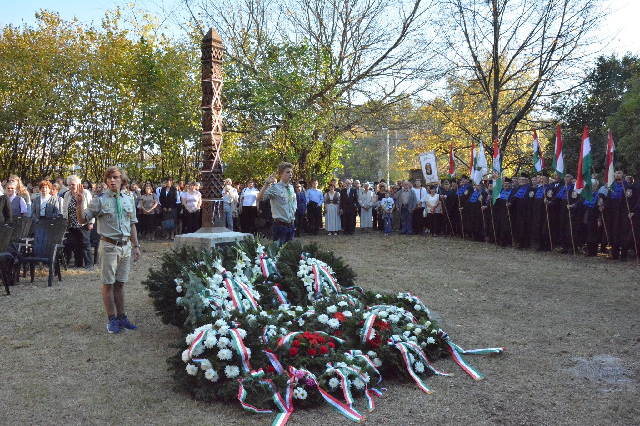Tisztelgés 1956 hősei előtt