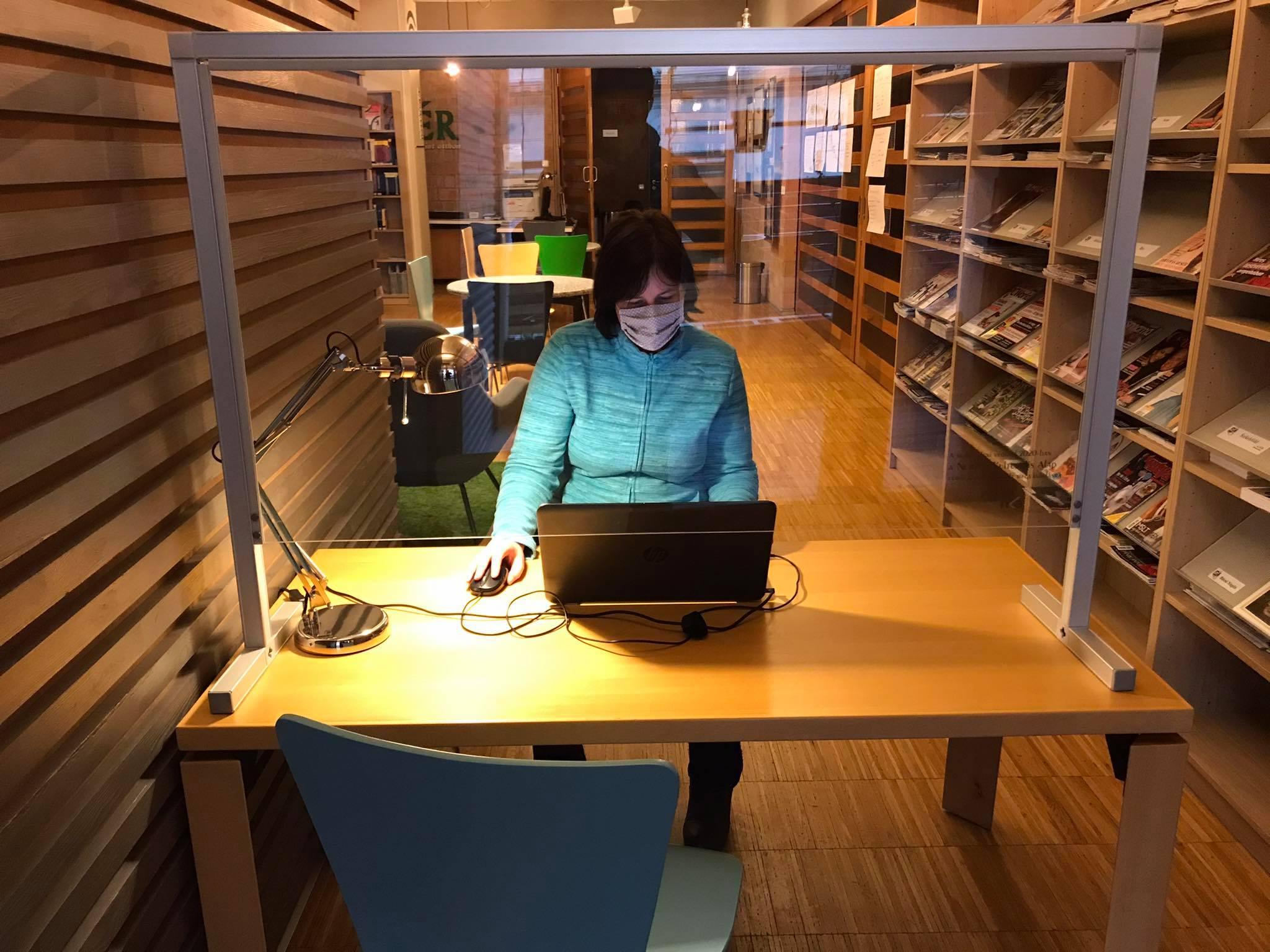 Covid elleni oltás: Segítenek regisztrálni a könyvtárosok!