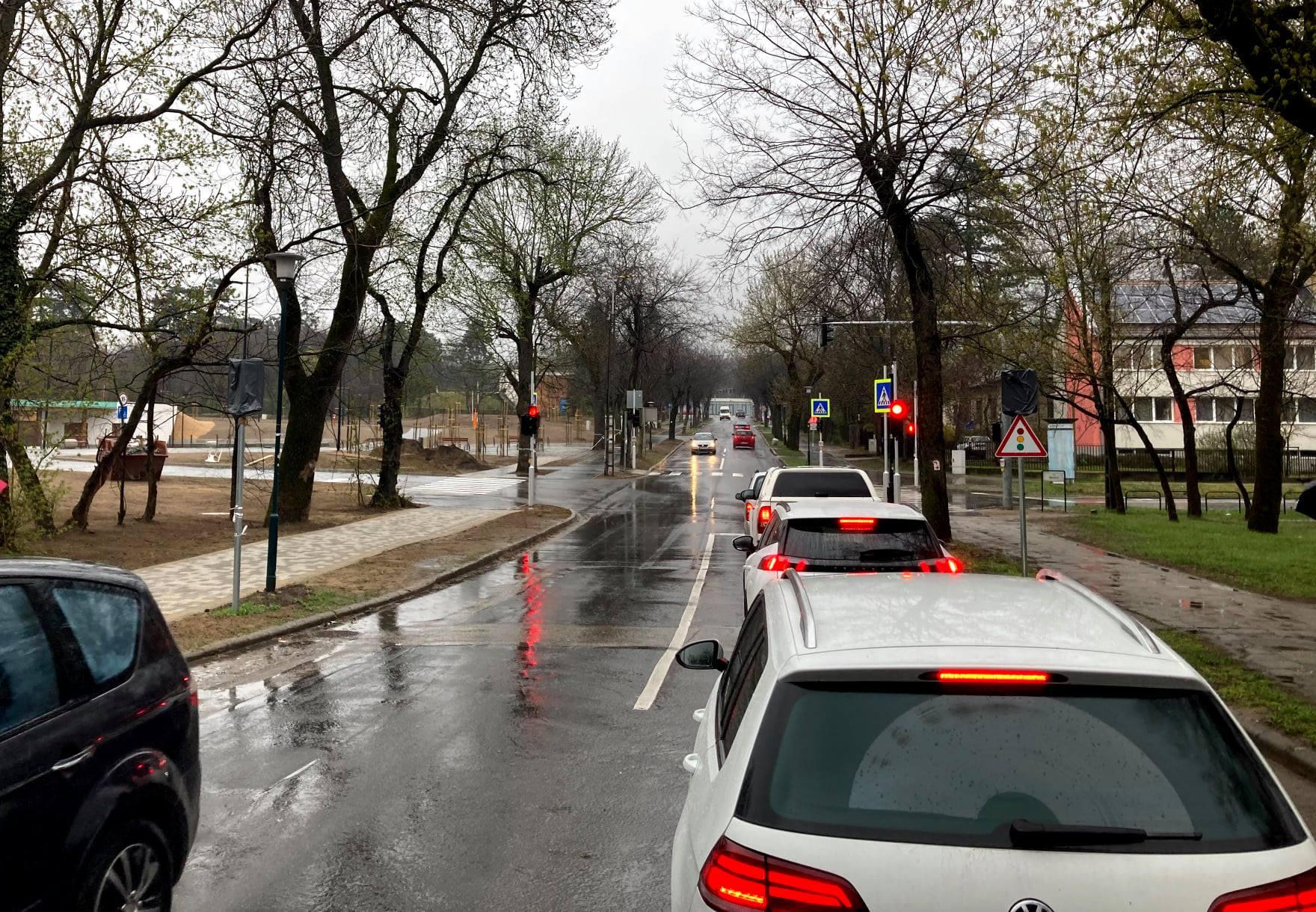 Ma bekapcsolták az Ady Endre sétány és az Isaszegi út csomópontjában kiépített közlekedési lámpákat