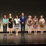 Gödöllő Város Önkormányzata Pedagógusokat és diákokat ismert el Gödöllő városa